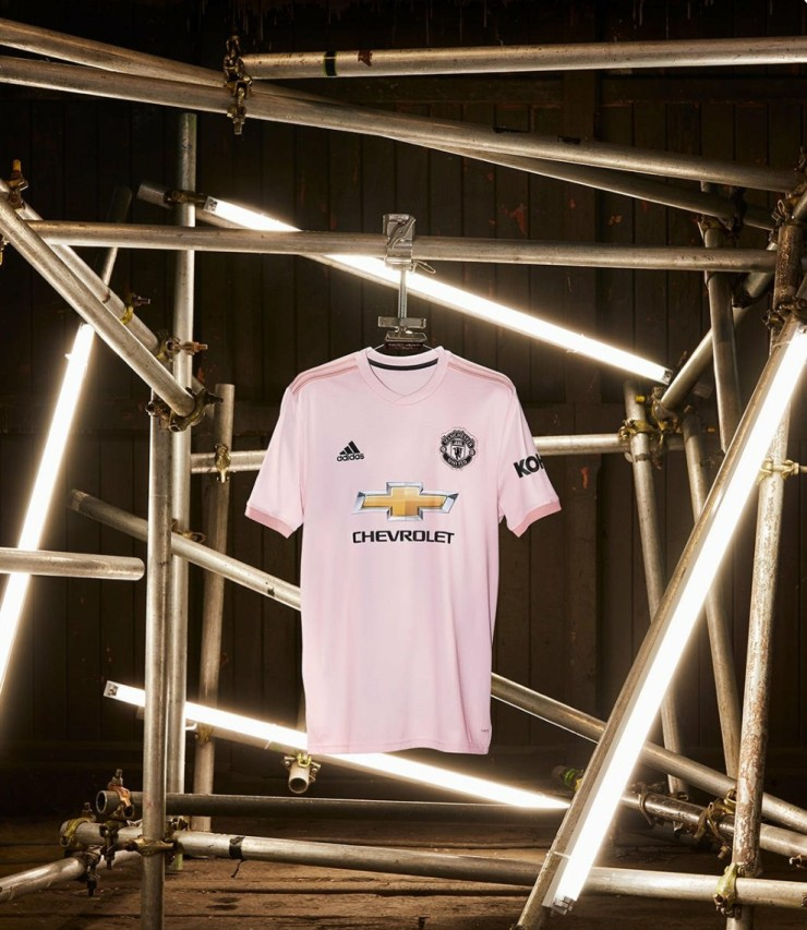 Manchester United, pink, away kit, Adidas