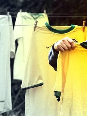 Brazil shirt creator Aldyr Garcia Schlee