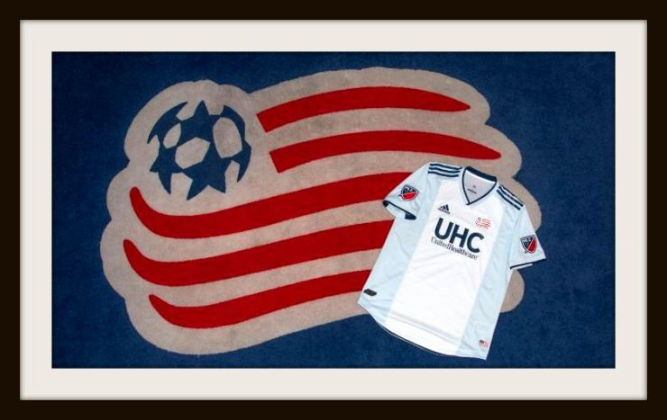New England Revolution kit and badge