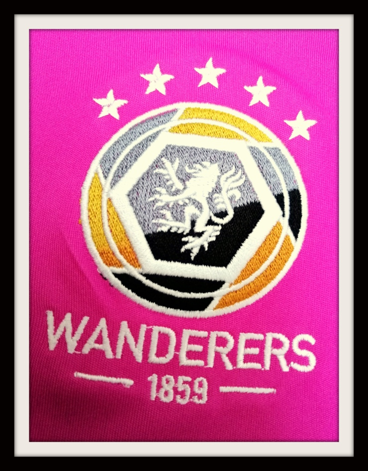 Wanderers' badge 5 FA Cup wins