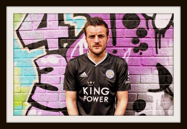 Jamie Vardy, new Leicester away kit