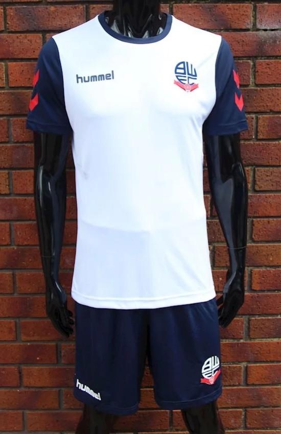 Bolton Wanderers, Hummel, kit