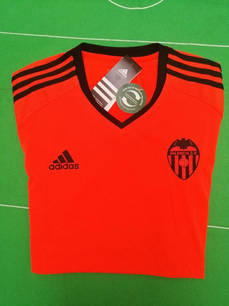 Valencia, 2016-17, 3rd shirt