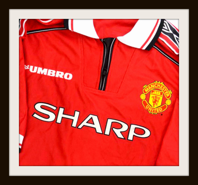 Club Classics The Manchester United Zip Kit Sartorial Soccer