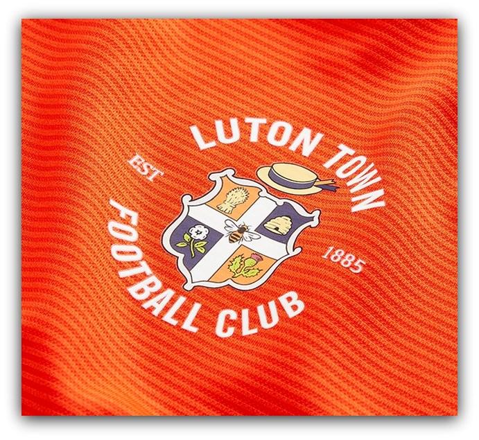 Luton Town, Umbro, Badge